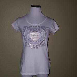 Guess graphic tee short sleeve scoop neck white M